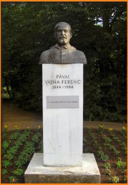 Somogyi Árpád: Dr. Pávai Vajna Ferenc mellszobra